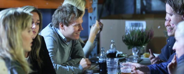 Speed dating virksomhet polyamorous dating Sør-Afrika